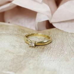 Bague en Or jaune avec Diamant