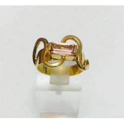 Bague or jaune avec pierre rose