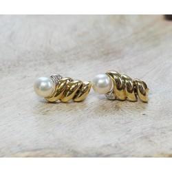 Boucles d'oreille en or et perles