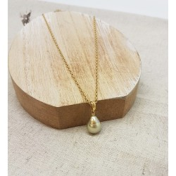 Collier en or jaune avec perle
