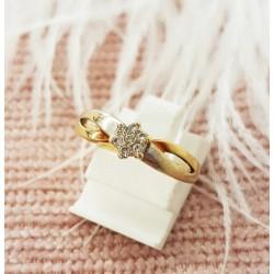 Bague or jaune avec rond de diamants