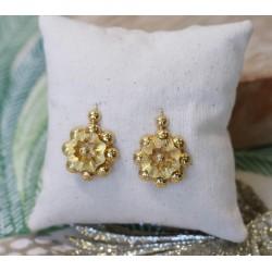 Boucles d'oreille fleurs en or