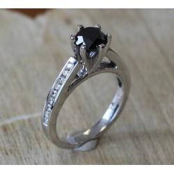 Bague Or blanc solitaire Diamant Noir de 1,40cts