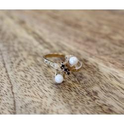 Bague en or avec perles et saphirs
