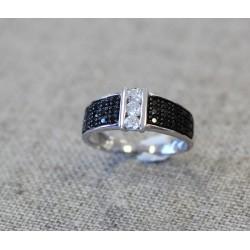 Bague Or blanc Pavage Diamants Noir et Trilogie diamants blancs