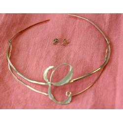 Parure Collier rigide en or jaune avec Diamants et Boucles d'oreille assortie