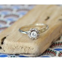 Bague ancienne en or blanc avec Diamants solitaire de 0.25carats