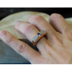 Bague en or jaune Saphir de Ceylan et Diamants