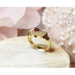 Bague en Or jaune avec Rubis et éclats de diamants