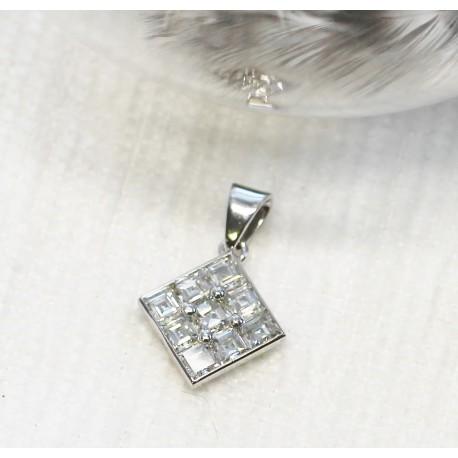 Pendentif en Or blanc avec Diamants Princesse