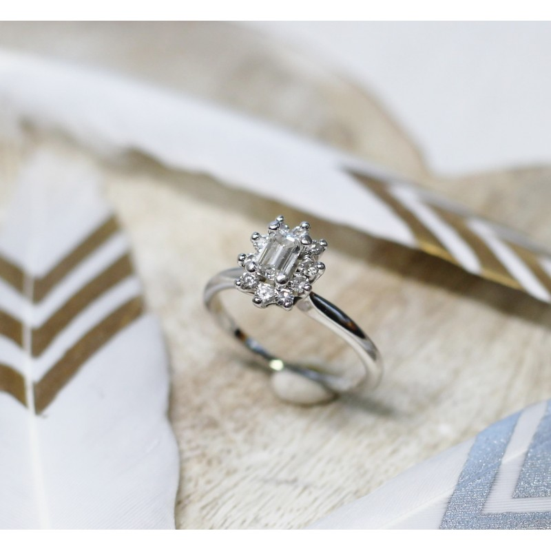bague en or blanc avec diamants. Black Bedroom Furniture Sets. Home Design Ideas
