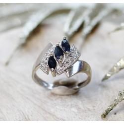 Bague en Or blanc avec Saphir et diamants