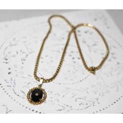 Collier en Or Rose avec médaillon Onyx