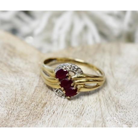 Bague 2 Ors avec Rubis et diamants