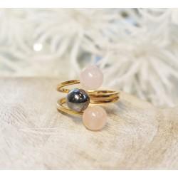 Bague en Or jaune avec Quartz rose et Perle
