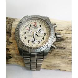 Montre Breitling chrono avenger M1