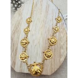 Collier or jaune avec motifs