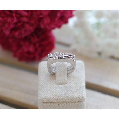 Bague or blanc et diamants