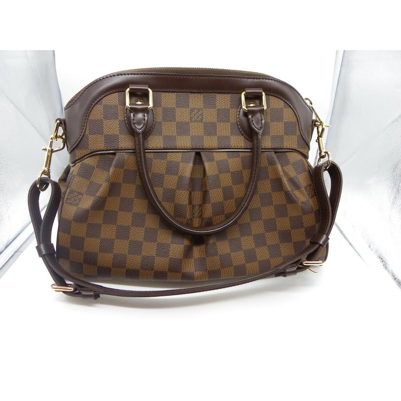15378f0739 Très beau sac TREVI PM DAMIER de la maison Louis Vuitton