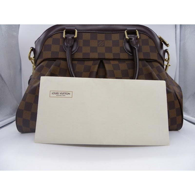 09b82cd5d35 Très beau sac TREVI PM DAMIER de la maison Louis Vuitton