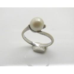 Bague Or blanc et perle