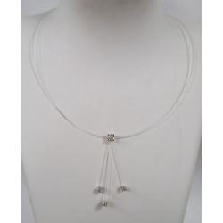 Collier Fil de pèche et diamants