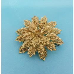 Broche or