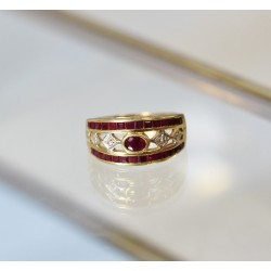 Bague en Or jaune avec Rubis et diamants